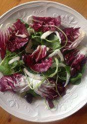 Salade met radicchio, winterpostelein en venkel